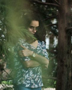 woman withdrawn with trauma